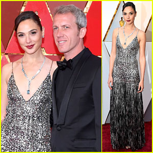 Gal Gadot Shimmers on Oscars 2018 Red Carpet With Husband Yaron Varsano
