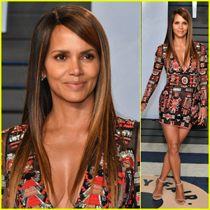 Halle Berry Looks Hot at Vanity Fair's Oscars Party