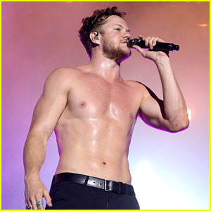 Imagine Dragons' Dan Reynolds Bares Buff Body While Shirtless at Lollapalooza Brazil