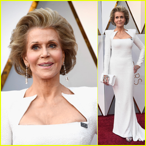 Jane Fonda Looks Chic in White on the Red Carpet at Oscars 2018!