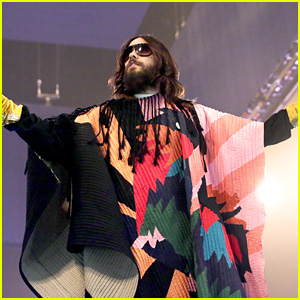 Jared Leto Tries to Break Up Fight at Thirty Seconds to Mars Concert!