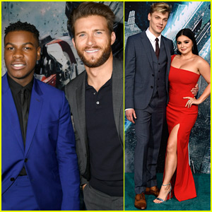 John Boyega Joins Scott Eastwood at 'Pacific Rim Uprising' Premiere