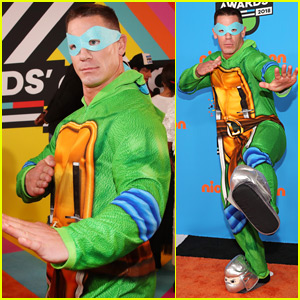 John Cena Dresses as Teenage Mutant Ninja Turtle for KCAs 2018!