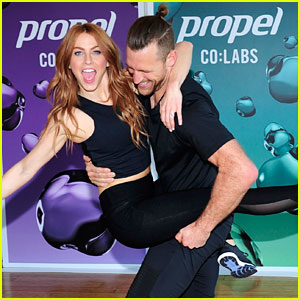Julianne Hough & Brooks Laich Are Too Cute While Excersing Together!