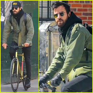 Justin Theroux Goes For Afternoon Bike Ride in NYC