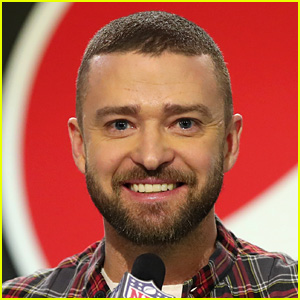 Justin Timberlake Steals Fan's Phone During His Concert!