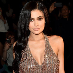 Kendall Jenners Home Burglarized Thousands in Jewelry Stolen