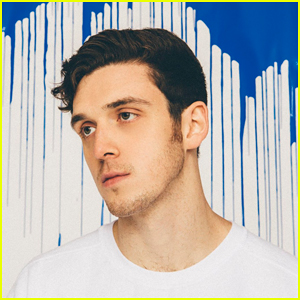 Lauv: 'Chasing Fire' Stream, Lyrics & Download - Listen Now!