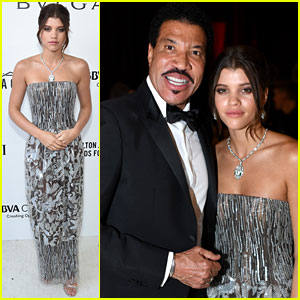Lionel Richie & Daughter Sofia Team Up for Elton John's Oscars Party
