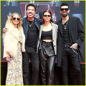 Lionel Richie Gets Support From His Kids, Samuel L. Jackson & Jimmy Kimmel at Hand & Footprint Ceremony