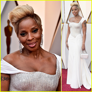 Mary J Blige Gets Glam on the Red Carpet at Oscars 2018!