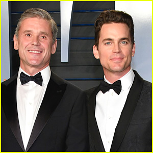Matt Bomer & Husband Simon Halls Suit Up for Vanity Fair's Oscars Party