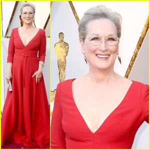 Meryl Streep Rocks a Red Dress on Oscars 2018 Red Carpet!