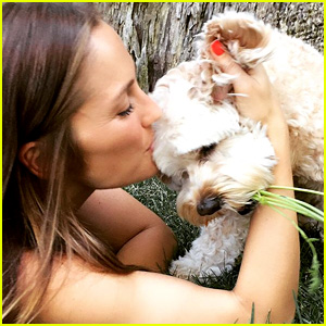 Minka Kelly's Beloved Dog Chewy Has Died