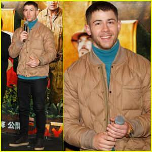 Nick Jonas & Karen Gillan Host 'Jumanji' Screening in Japan!