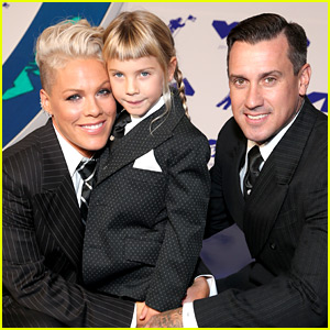 Pink's Daughter Willow Gave Carey Hart a Haircut & It Didn't Go As Planned!