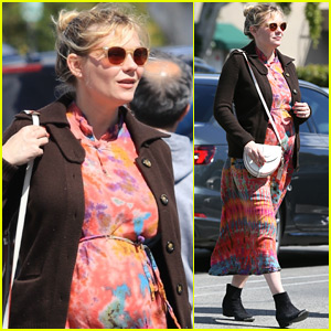 Pregnant Kirsten Dunst Kicks Off Her Weekend at the Grocery Store