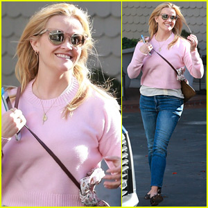 Reese Witherspoon is All Smiles Heading to Lunch in Santa Monica