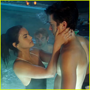 'Riverdale' Creator Shares Pics from the 'Sexiest Episode Ever'