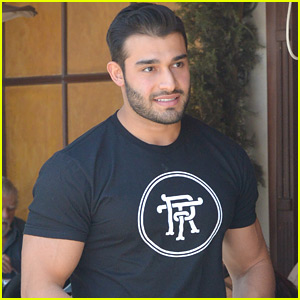 Britney Spears' Boyfriend Sam Asghari Shows Off Super Buff Biceps at Lunch!