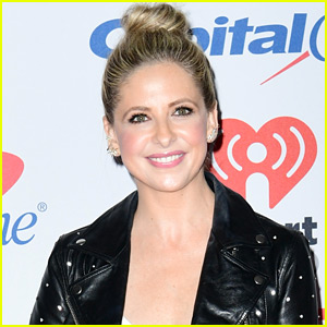 Sarah Michelle Gellar Shares Tons of Throwback Photos in Honor of 'Buffy the Vampire Slayer' Anniversary!