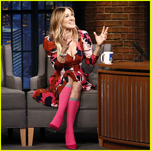 Sarah Jessica Parker Gets Emotional When Seth Meyers Gives Her a Mug - Watch Now!