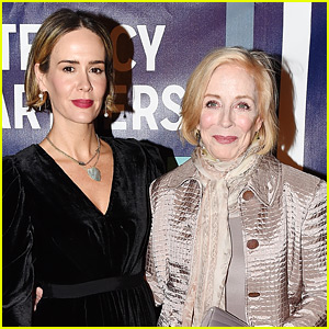 Sarah Paulson & Holland Taylor Couple Up for Literacy Partners Gala in NYC