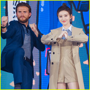 Scott Eastwood Practices His Mandarin at 'Pacific Rim Uprising' Premiere in Beijing! (Video)