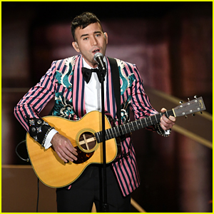 Sufjan Stevens Performs 'Mystery Of Love' From 'Call Me By Your Name' at Oscars 2018 - Watch Now!