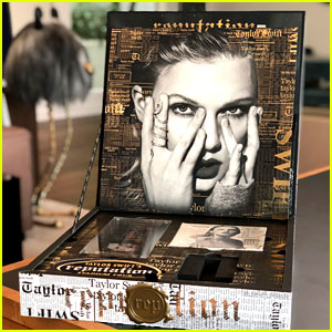 Look Inside Taylor Swift S V I P Invite Boxes For Reputation Stadium Tour Taylor Swift Just Jared