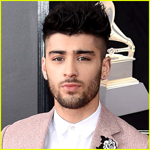 Zayn Malik Debuts New Bleached Blonde Hair!