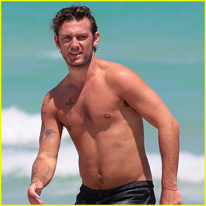 Alex Pettyfer Goes Shirtless at the Beach in Miami!