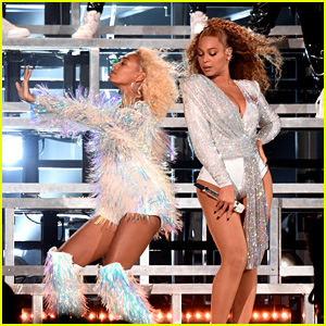 Beyonce & Solange Knowles Take a Tumble on Stage Together at Coachella
