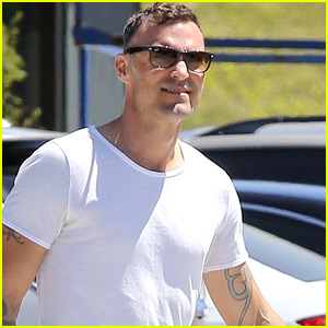 Brian Austin Green Picks Up Groceries in Malibu