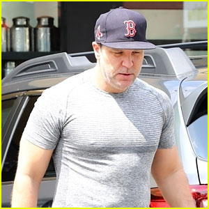 Dane Cook Flaunts His Biceps in Fitted T-Shirt While Stepping Out in LA