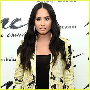 Demi Lovato Shares Pics of 'Stretch Marks' & 'Cellulite' to Promote Self-Love