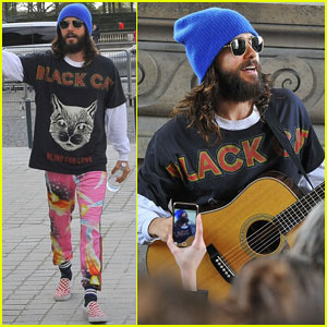 Jared Leto & Thirty Seconds to Mars Perform in Front of the Louvre in Paris!