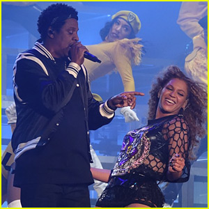 Jay Z Joins Beyonce on Stage During Coachella Performance!