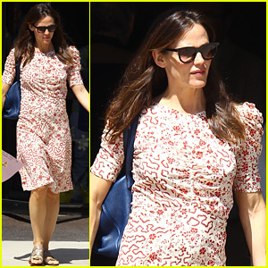 Jennifer Garner Wears Her Sunday Best for Church with Family