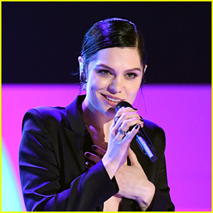 Jessie J Wins 'Singer' Competition in China!