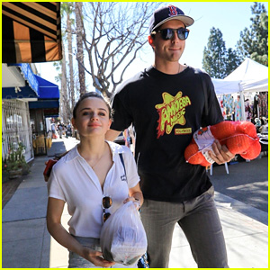 Joey King & Boyfriend Jacob Elordi Go Shopping at the Farmer's Market!