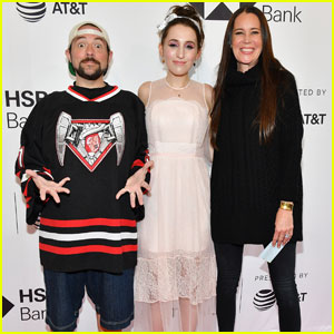 Kevin Smith Shows Off 30 Pound Weight Loss at 'All These Small Moments' Premiere