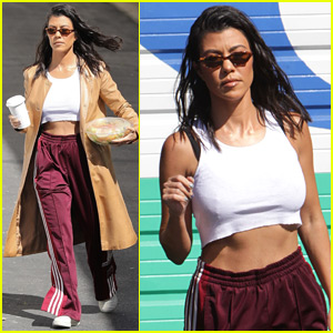 Kourtney Kardashian Shows Off Toned Abs After Romantic Getaway!