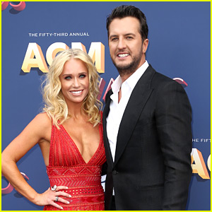 American Idol's Luke Bryan Brings Wife Caroline to ACM Awards