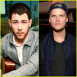 Nick Jonas Pays Tribute to Avicii With 'Wake Me Up' Cover (Video)