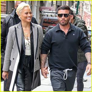 Paula Patton Holds Hands with Boyfriend, Whose Identity Has Been Revealed!