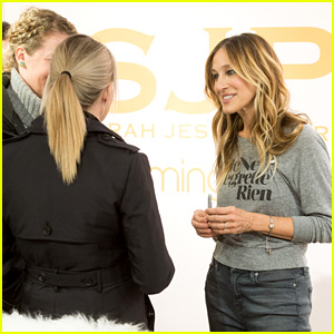 Sarah Jessica Parker Meets Fans & Works the Floor at Bloomingdale's!