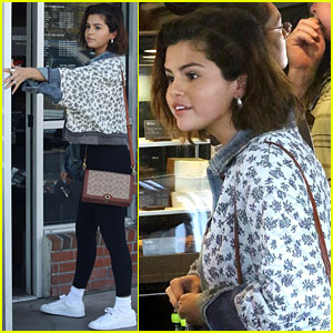 Selena Gomez Stops by Starbucks on the Way to Her Friend's