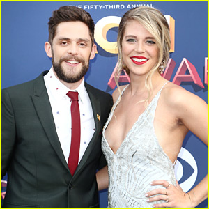 Thomas Rhett & Wife Lauren Attend the ACM Awards Together!