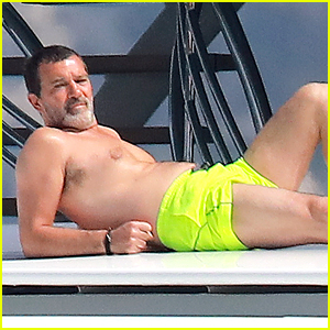 Antonio Banderas Hangs Out Shirtless on a Yacht in Monaco!
